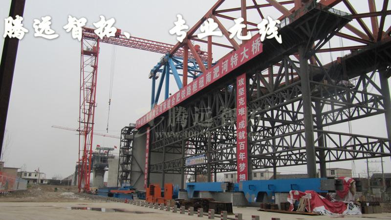 施工进度、工地施工现场施工人员的安全、工地建筑材料、以及