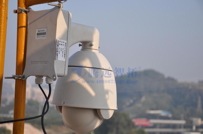 安装在塔吊三上的高清网络摄像头