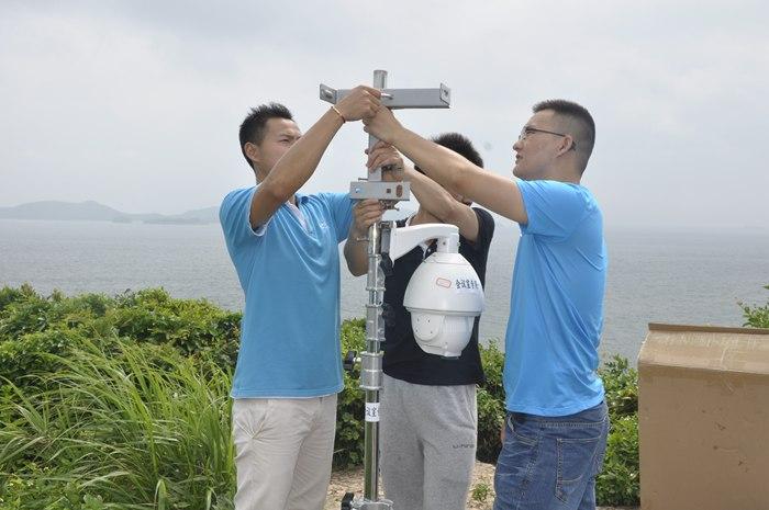 安装无线传输塔