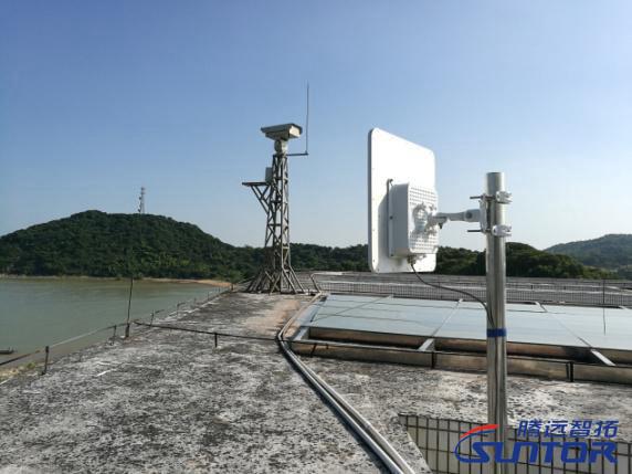 保护区管理监控中心上的远距离无线网桥接收端