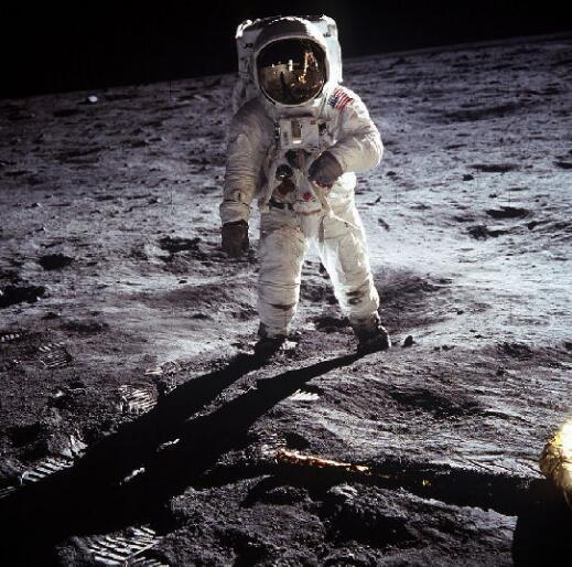 比现有无线传输快4000倍,有兴趣在月球上网吗?