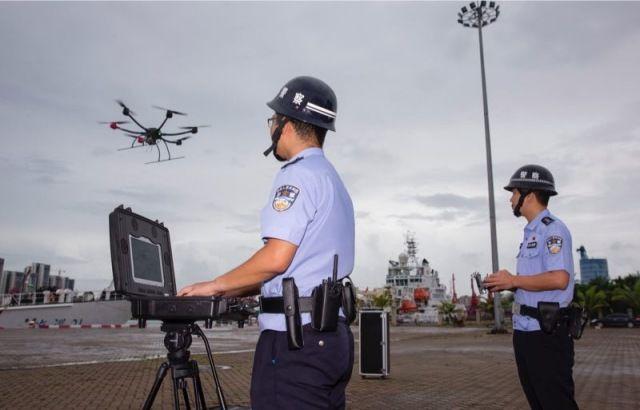 后端远程监控人员对COFDM无人机监控系统进行监控