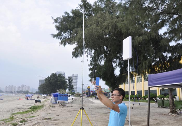 设备接收端位于惠州双月湾海滩